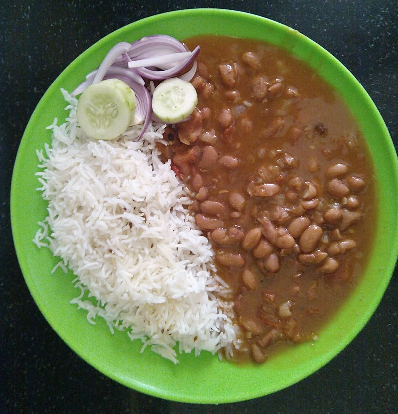 Rajma Chawal is a delicious dish and contains good quality of carbohydrate and protein that can suit your taste. This popular dish is loved by people of all age groups. Rajma Chawal is perfect for a Sunday brunch or on a get-together with family and friends. It is cooked by using rajma(kidney beans) rice, onions, tomatoes and melange of spices.
